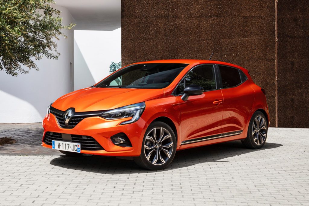 Renault Clio Hatchback Review Pictures Carbuyer
