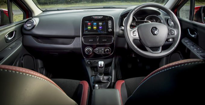 Renault Clio Interior Infotainment Carwow